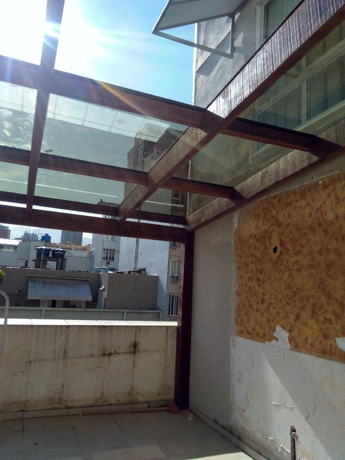 Telhados de vidros.