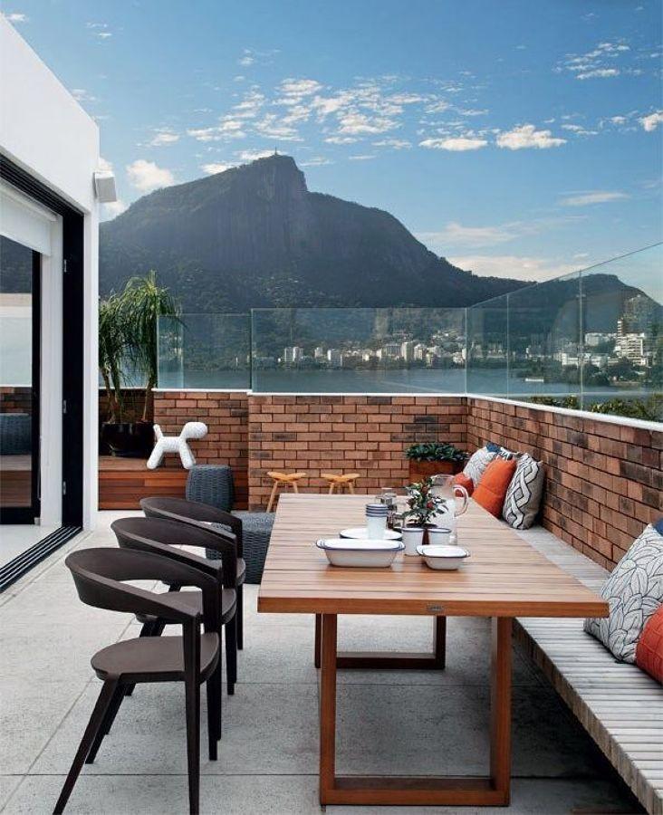 terraço com área de refeição