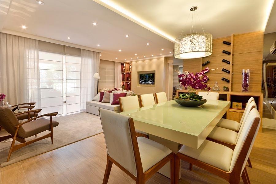 sala de jantar com teto de gesso e iluminação
