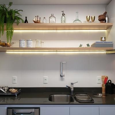 Apartamento reformado tem ambientes aconchegantes e práticos