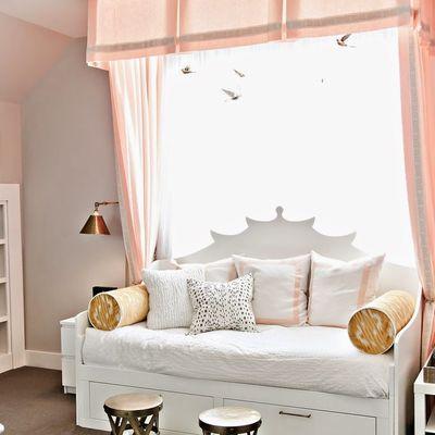 Ganhe espaço no quarto, encoste a cama na parede