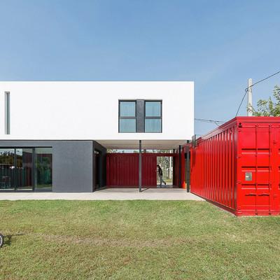 Casa de alvenaria vs casa container: qual você prefere?