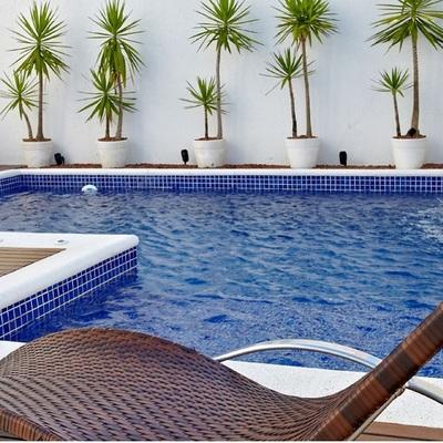 Cascata: deixe sua piscina ainda mais agradável