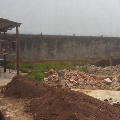 CONSTRUÇÃO  DE PONTO COMERCIAL.