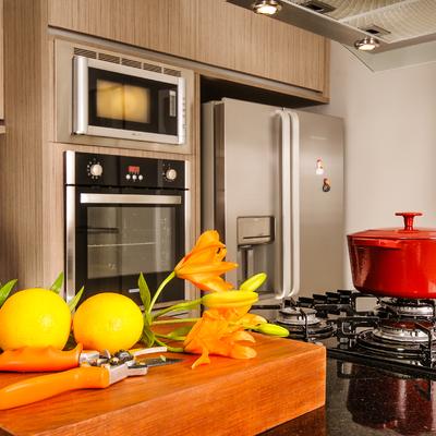 Cozinha gourmet tem integração com o jardim