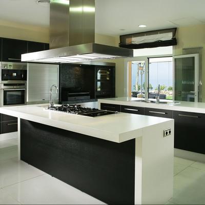Cozinha tipo ilha.