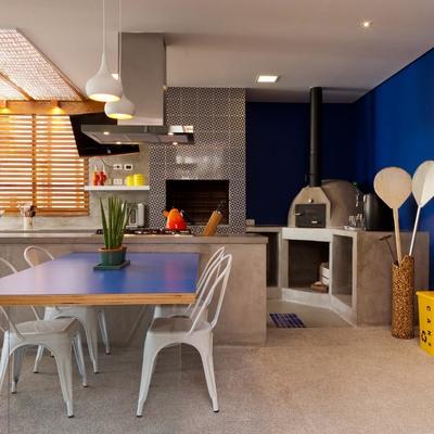 Área externa transformada em espaço gourmet para receber amigos