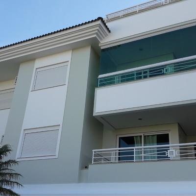Pintura fachada e garagens do Condomínio Via Vecchia em Jurerê Internacional