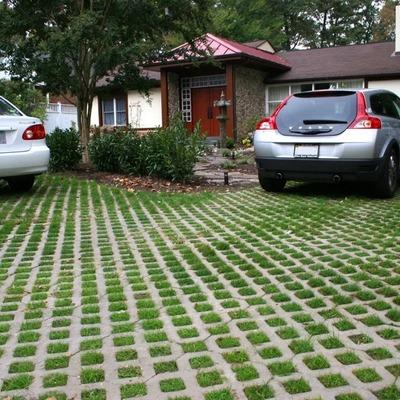 Pisos externo: garagem, jardim e piscina