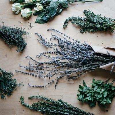Como fazer incenso natural e aromatizadores para perfumar a casa