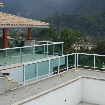Instalação de Guarda Corpo - Varanda e piscina