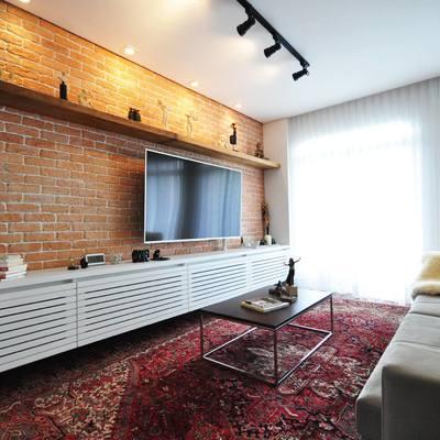 Instalação de tijolinho na parede da sala