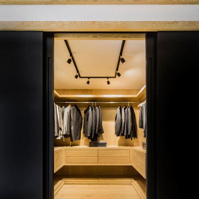 Como organizar seu armário de acordo com Marie Kondo