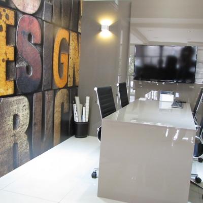 Mesa de atendimento - Sala de reuniões e Projetos