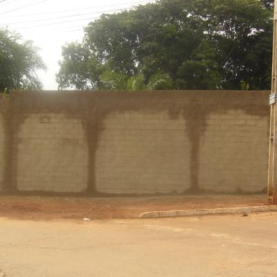 Muro de Alvenaria Chapiscado.