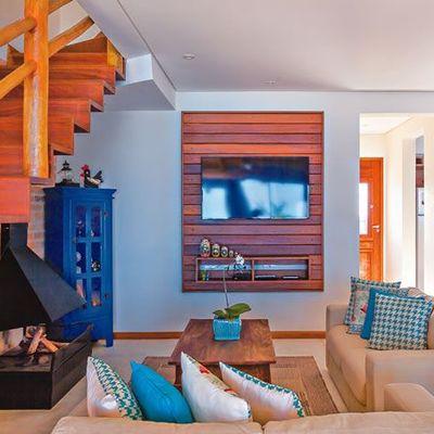 Casa de 170 m² construída com materiais reaproveitados