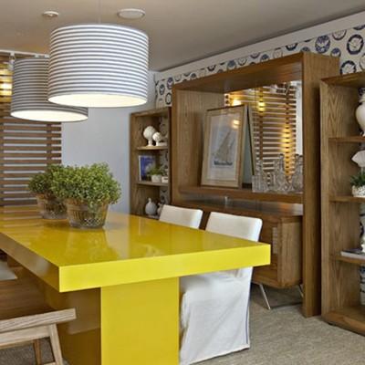 Sala compacta e luxuosa