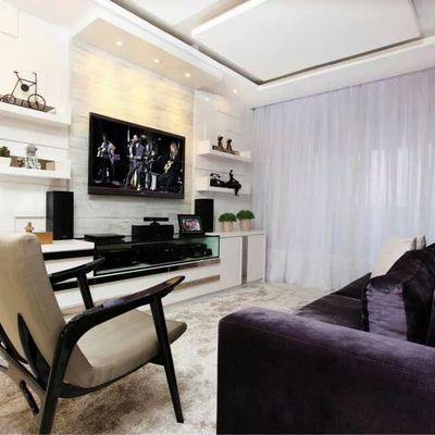 Detalhes em branco trazem sofisticação na decoração deste apartamento (Fortaleza)