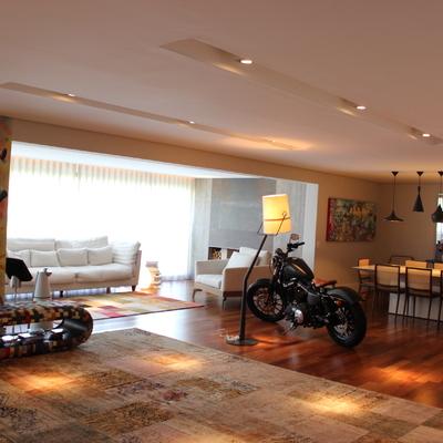 Sala de estar/jantar e varanda integrada