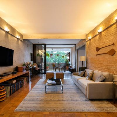 Apartamento com estilo industrial brutalista