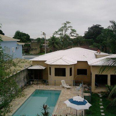Telhado Colonial e piscina