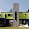 Casa grande com 3 containers
