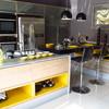 Cozinha canto balcão modulada