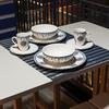 Detalhes de Cozinha Azul Integrada com a Varanda Moderna e Contemporânea