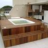 Piscina com SPA e deck de madeira - Barra - RJ