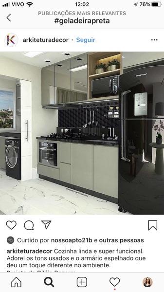 Qual é a cor do armário?