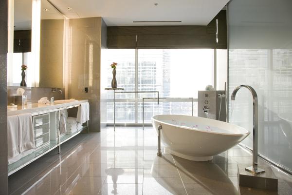 Banheira com hidromassagem, quais são as medidas e preços médios?