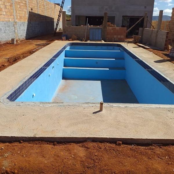 Não tem mais fotos dessa piscina pronta?