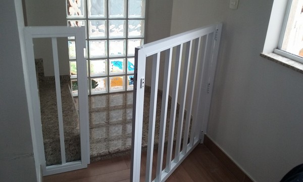 Quanto custaria uma porta para corredor como essa?
