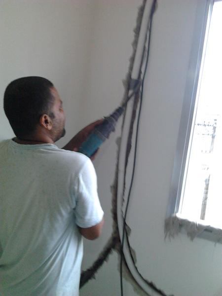 Quanto fica para colocar a tubulação do ar condicionado interna na parede?