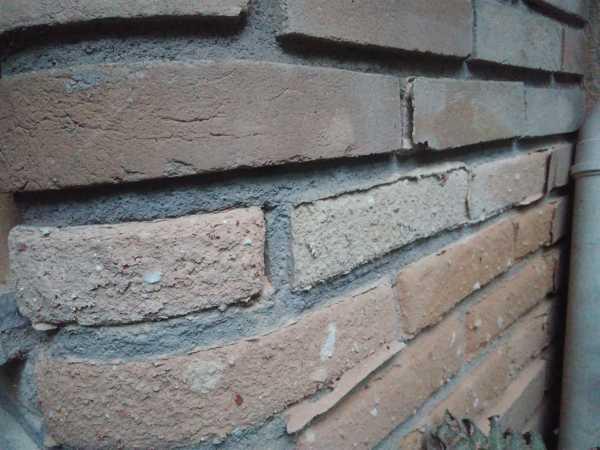 Alguém pode me ajudar a resolver problema de descascamento do tijolo aparente?