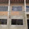 Instalar janelas laterais e frontais do templo