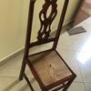 Lacar mesa e 6 cadeiras de mogno