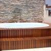Construção de deck em madeira para picina